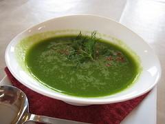 富良野産グリーンアスパラガスの冷製スープ
