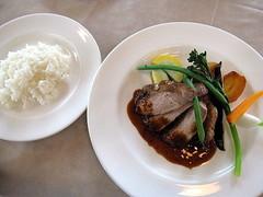 赤井川産豚ロースのソテー ソースガストリック ローズマリー風味